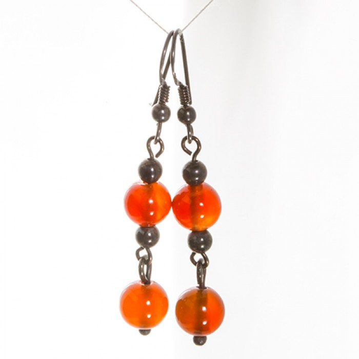 Earrings in Oxidized Silver With Carnelian