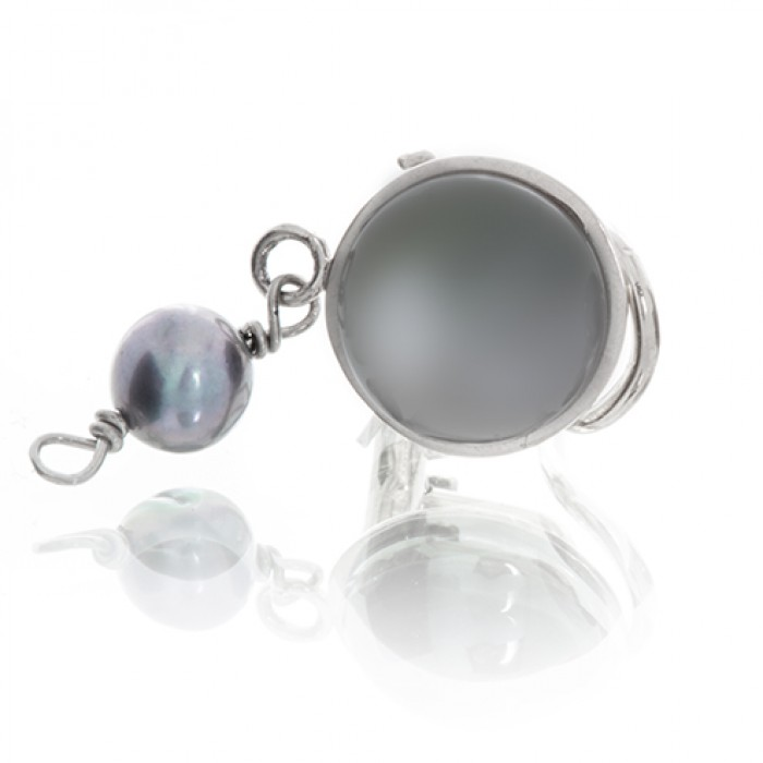 Earrings in Silver With Fresh Water Pearls