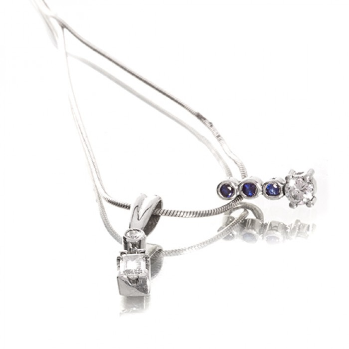 Pendant in 18ct White Gold With Saffire and Diamond