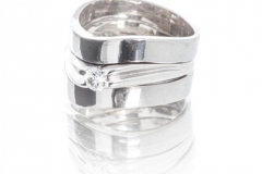Wedding Band Set in 18ct White Gold With Diamond